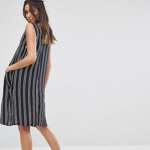 Black & White Striped Sleeveless Duster Sz XS New